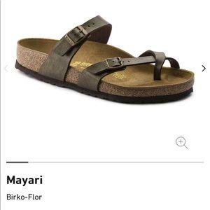 NWOT Birkenstock Mayari Sandals in Golden Brown